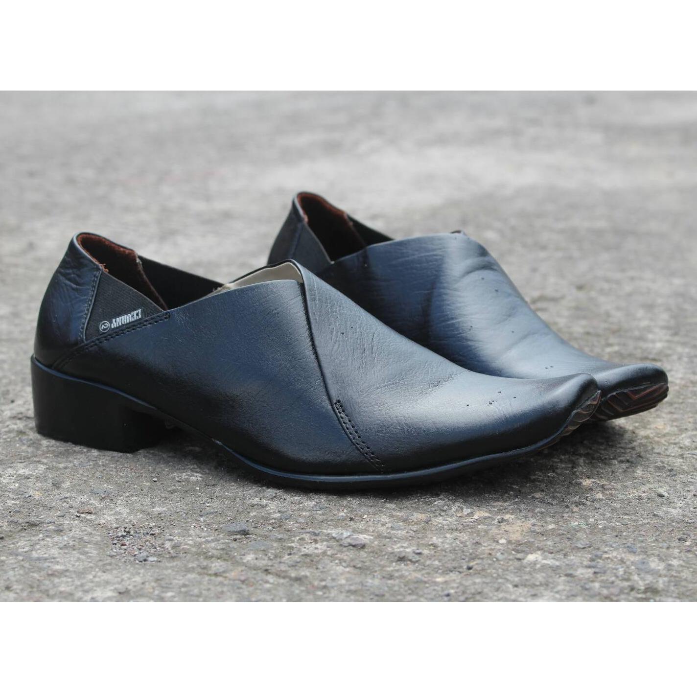 Sepatu Pantofel Pria Formal   Kerja   Kantor Kulit Asli Sol Fiber Modern -  CEVANY KIMONO c811149ed7