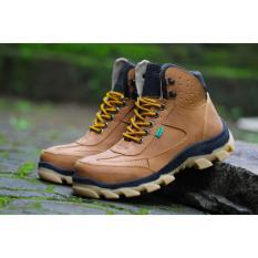 Sepatu Pria Safety Tracking/Gunung Boot Kickers Sued Mercy Ujung Besi (TAN)