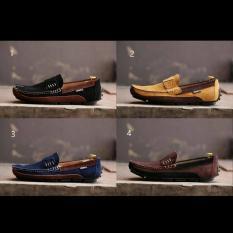 Sepatu Pria SLIP ON Clarks Eywa Mocassin Suede Navy