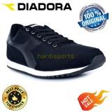Beli Sepatu Running Sneakers Diadora Charles M Diadora Online