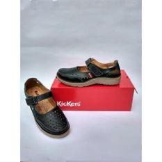 Jual Beli Online Sepatu Sandal Motif Flower Kickers Wanita Black