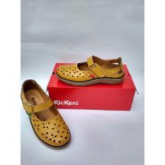 Sepatu Sandal Motif Triangle Small Kickers Wanita - Tan
