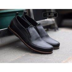 Beli Sepatu Slip On Casual Loafer Original Kiwara Hitam Secara Angsuran