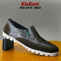 Sepatu Slip On Kickers Bilik