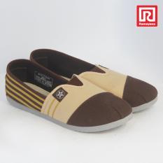 Ramayana - Worldstar - Sepatu Slip On Pria Motif Garis Kain Kanvas Coklat Tua Kombinasi Coklat Muda Worldstar (07971266)