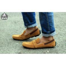 sepatu slip on pria - sepatu loafer pria - separtu avail slip on original Everbest (TAN)