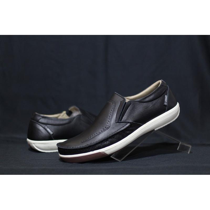 Sepatu Slipon casual kulit cevani Kickers Casual Semi Formal kerja Kantor fb34449150