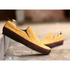 Sepatu Slip-on Slop Pria - Kulit Suede - CEVANY MARIO -Tan