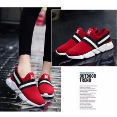 Sepatu Sneaker Wanita M Merah Terbaru