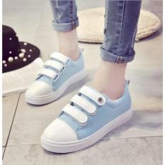 Sepatu Sneakers Kets Jeans Kait - Biru Muda
