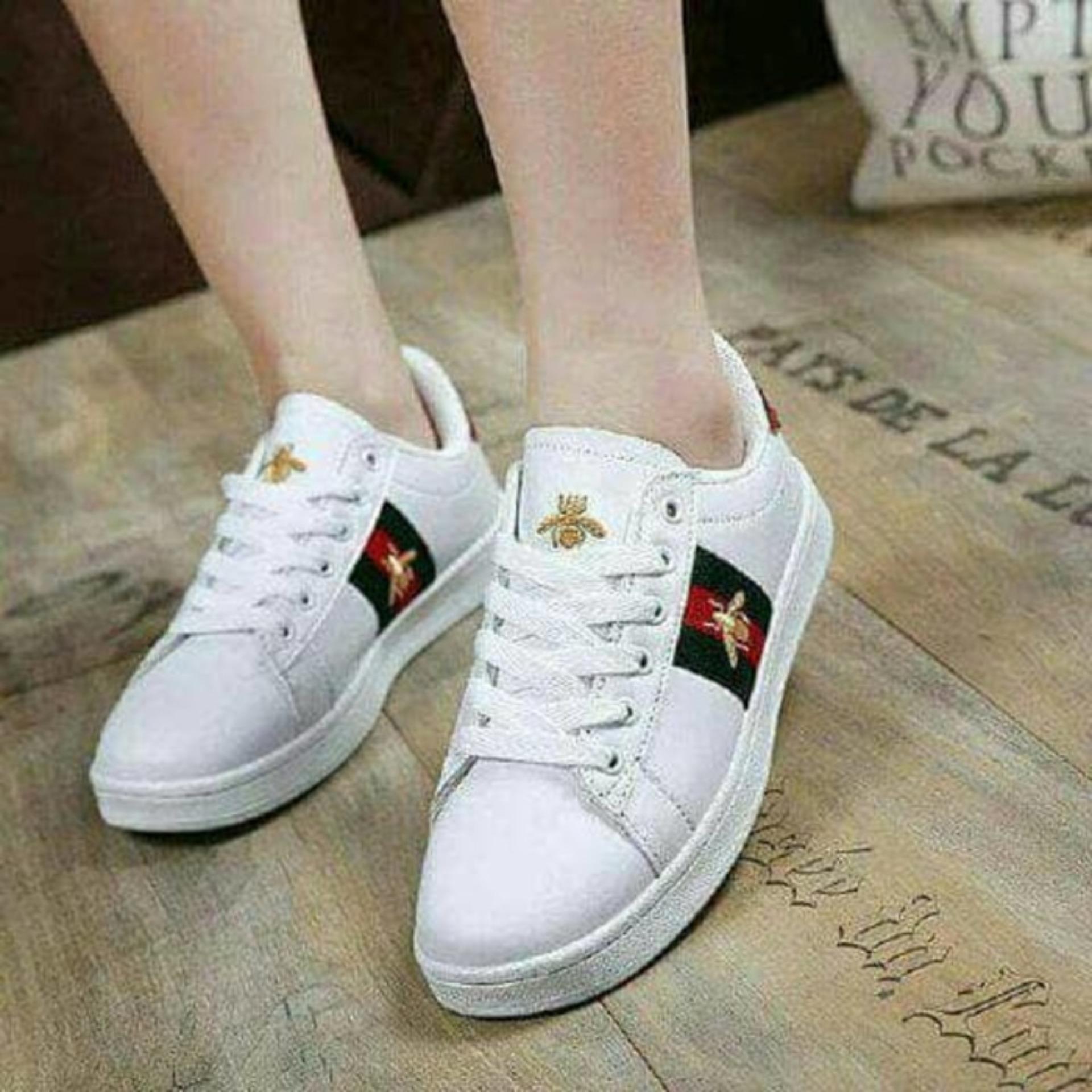 Sepatu Sneakers Wanita Kets Putih SDS193