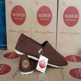 Harga Sepatu Wakai Pria Warna Coklat Polos Unisex Lengkap