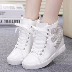 Spesifikasi Sepatu Wanita Boots Putih Terbaik