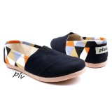 Harga Termurah Sepatu Wanita Flat Shoes Slip On Ns13 Triangle Hitam