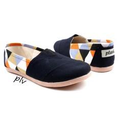 Harga Sepatu Wanita Flat Shoes Slip On Ns13 Triangle Hitam New