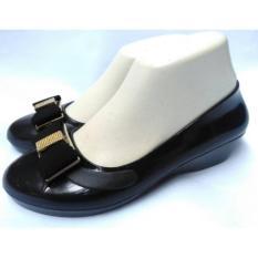 Sepatu Wedges Hitam Wanita Motif Pita