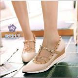 Sepatu Wedges Wanita Valen Studed Cream Salva Bs Asli