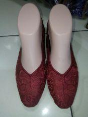 Beli Shopaholic Sepatu Bordir Etnik Polos Merah Size 36 Kredit