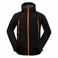 Softshell Jaket Pria Outdoor Waterproof Hiking Camping Travel Jaket (Hitam)