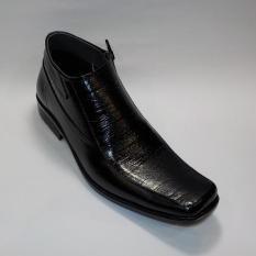 Spek Surround Sepatu Boots Formal Pria M4 702 Black