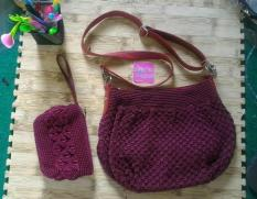 Tas Rajut Nilon HOBO MINI BURGUNDI PLUS DOMPET