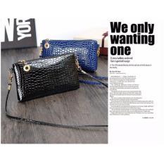 Tas Selempang Mini Sling Bag Wanita Motif Crocodile - MaroonIDR15000. Rp 19.462