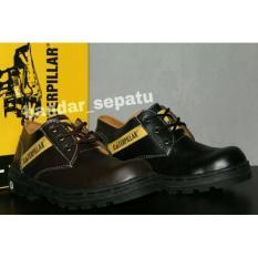 TERMURAH 59 900 Sepatu Boots Caterpillar Low Safety Boots Bahan Licin Original Bandung