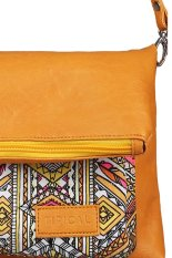 Situs Review Tipical Vannili Clutch Bag Kuning
