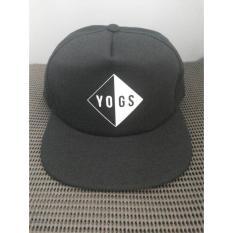 topi snapback(tanpa jaring) yogs,hitam