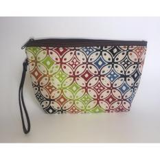 Travel Pouch / Make Up Pouch Multifungsi Batik 01