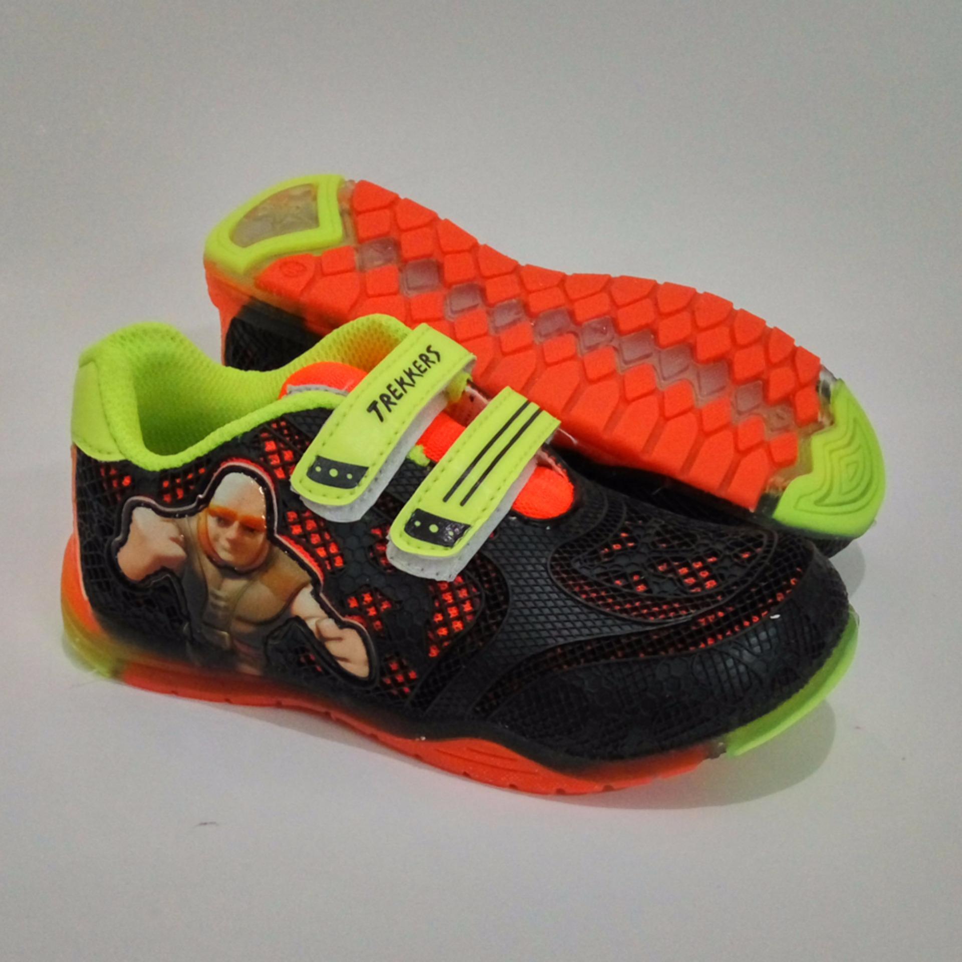 Beli sekarang Trekkers KL-I-Giant Sepatu Anak Lampu Warna Hitam   Oranye  terbaik 54a822f41a
