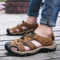Trendi Pria Musim Panas Model Crocs Sandal Summer Sepatu Pria (Gelap Coklat)