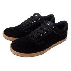 Varka 144 Sepatu Kets Casual dan Sneaker Pria - Hitam