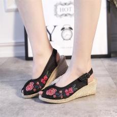 Veowalk Sepatu Terbuka Peeop Toe Wanita Casual Linen Kanvas Bordir Wedges Sepatu Mid Tumit Slingback Pumps