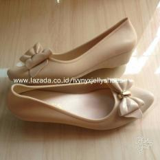 Harga Vina Wedges Jelly Shoes Warna Cream Oem Baru