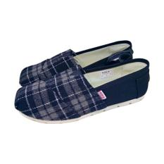 Wakai Aka Black Sepatu Wanita Pria Original