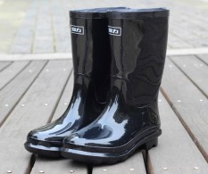 Warrior Lebih Tebal Sepatu Boots Hujan Pria Sepatu Anti Air Sepatu Bot Hujan Anti Selip Tahan
