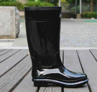 Daftar Harga Warrior Lebih tebal sepatu boots hujan Pria sepatu anti air  sepatu bot hujan Anti Selip Tahan Air Gaotong Lem Panas Sepatu perlindungan  pekerja ... 8c8e77f587