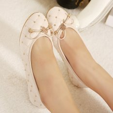 Spesifikasi Wanita Putaran Kaki Datar Sepatu Korea Casual Lipat Balet Sepatu Dengan Paku Keling Beige Intl Terbaik