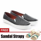 Jual Yutaka Sepatu Slip On Hitam Gratis Sandal Triple Cream Baru