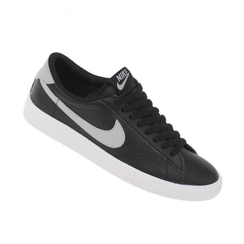 Sepatu Nike Tennis Classic Ac Leather - Black eef9f6b004