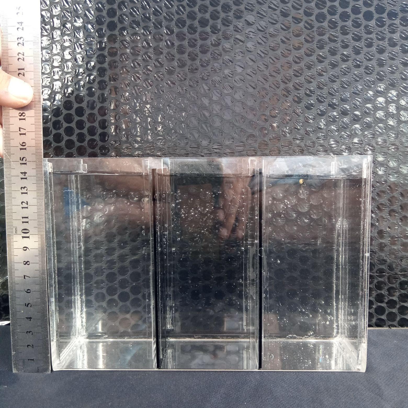 Aquarium Acrylic Ikan Cupang 3 Ruang Sekat Buka Tutup Ukuran 22x8x15 Cm Tebal 2 Mm Lazada Indonesia