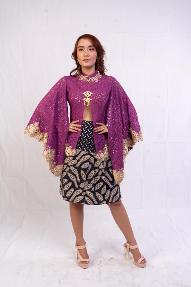 Rok Batik Pendek RR1941 Rok Batik Span Kombinasi Motif Bulu Merak Besi Navy Bawahan Batik Modern brand batik Kota Solo