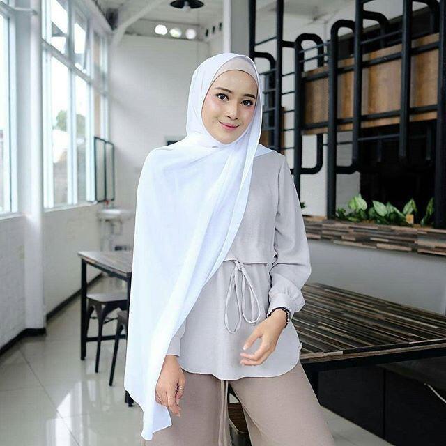 hijab pasmina polos basic diamond italians warna terlengkap / jilbab phasmina polos basic bahan diamond italians kerudung bahan sifon ceruti diamon baby doll