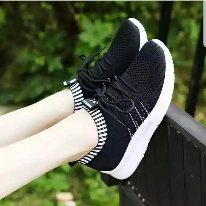 DISTROBOGOR Sepatu Slip On Wanita VNM Tali - Sepatu Santai Hitam Merah Putih 394dacde41