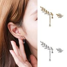 Amefurashi Anting Korea Daun Asimetris Asymmetric Leaf Clip Dangle Earring Beauty