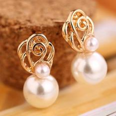 Amefurashi Anting Korea White Bead Gold Stud Earring Bride Stunning