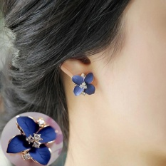 Amefurashi Anting Rhinestone Blue and Black Flower Gold Stud Earring