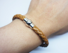 Jual Chelsea Leather Bracelet Original Bold Light Brown Chelsea