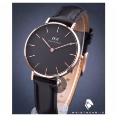 Beli Daniel Wellington Classic Black Petite Sheffield 32Mm Rose Gold Case Jam Tangan Wanita Perempuan Cewek Strap Kulit Hitam Ring Rose Gold Online Indonesia